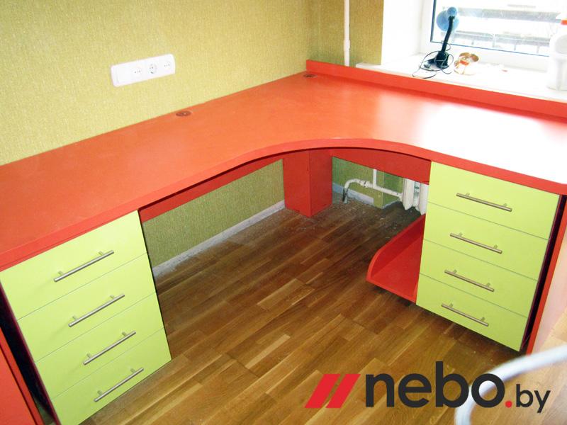 столы письменные угловые для школьников фото