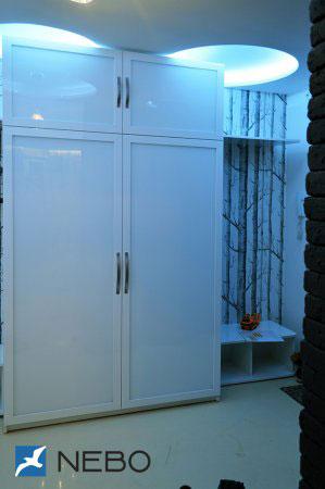 Шкафы распашные с лакобелем - фото - 11108