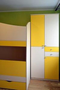 Бежевая и желтая детская мебель - фото - 23285