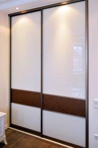 Шкафы-купе с кожей - фото - 23340