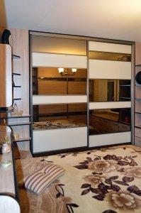 Шкафы-купе с зеркалом бронза - фото - 23341