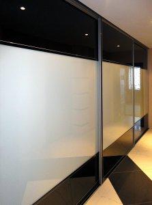 Черные шкафы-купе - фото - 23347
