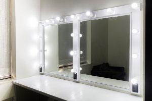 Туалетный столик с зеркалом - фото - 23428