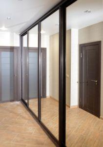 Шкафы-купе с большим количеством дверей - фото - 31155