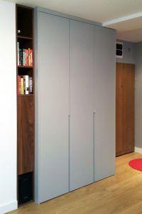 Серые распашные шкафы - фото - 31444