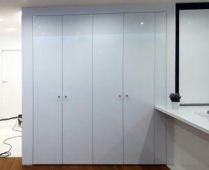 Распашные шкафы в гостиную - фото - 33307