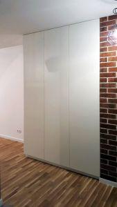Шкафы распашные с лакобелем - фото - 33318