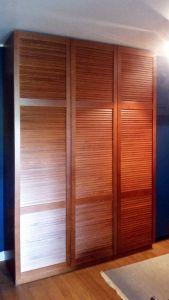 Шкафы распашные с фасадами из массива  - фото - 33329