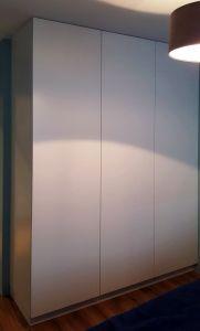 Серые распашные шкафы - фото - 33337