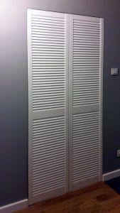 Классические распашные шкафы - фото - 33340