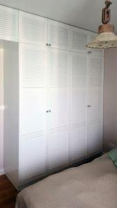 Классические распашные шкафы - фото - 33341