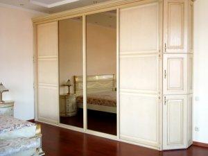 Шкафы-купе с большим количеством дверей - фото - 8953