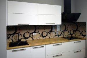Круги для скинали в интерьере кухни - 22837