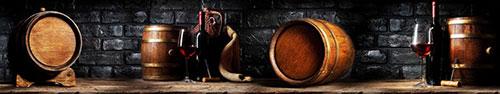 Скинали - Бочки красного вина на фоне кирпичной стены
