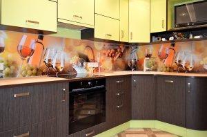Бокалы для скинали в интерьере кухни - 23466