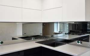 Скинали на кухню, обычное стекло + зеркальный слой, 3500х560 мм