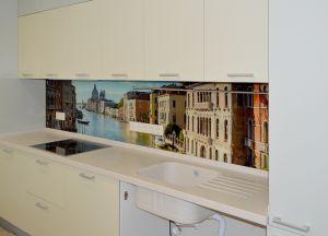 Венеция для скинали в интерьере кухни - 29217