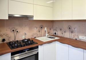 Одуванчики для скинали в интерьере кухни - 30328