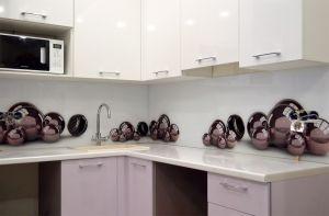 Шары, шарики для скинали в интерьере кухни - 31536