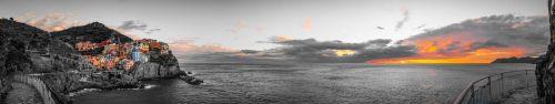 Скинали - Артистическая панорама Манаролы, Италия
