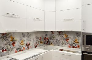 Бабочки для скинали в интерьере кухни - 33268