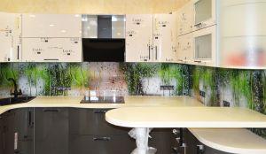 Стекло для скинали в интерьере кухни - 33737