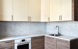 Кирпич для скинали в интерьере кухни - 34223