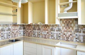 Абстракции для скинали в интерьере кухни - 34287