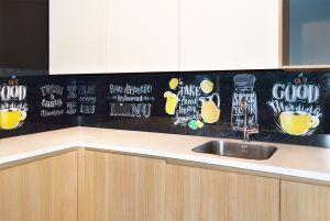 Меловая доска для скинали в интерьере кухни - 34768