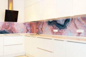 Мрамор для скинали в интерьере кухни - 35451