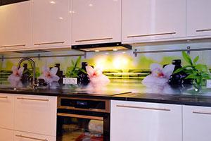 Орхидеи для скинали в интерьере кухни - 22080