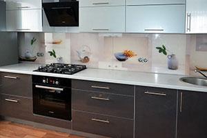 Посуда для скинали в интерьере кухни - 22119