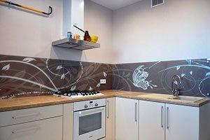 Абстракции для скинали в интерьере кухни - 22138