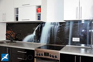 Водопады для скинали в интерьере кухни - 21980