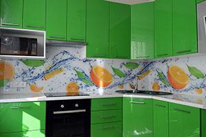 Вода для скинали в интерьере кухни - 22092