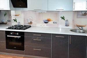 Посуда для скинали в интерьере кухни - 22171