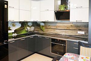 Древесина для скинали в интерьере кухни - 22179