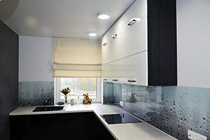 Стекло для скинали в интерьере кухни - 22190