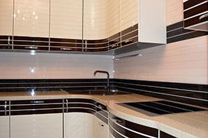 Древесина для скинали в интерьере кухни - 22431
