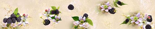 Скинали - Ягоды и цветы ежевики на бежевом фоне