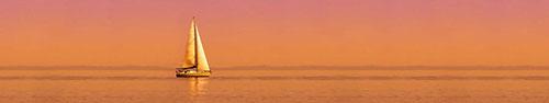 Скинали - Одинокая яхта в море на закате солнца