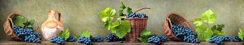 Скинали - Винтажный натюрморт с синим виноградом на столе