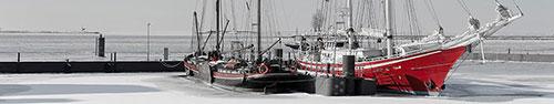 Скинали - Красивые яхты на пристани