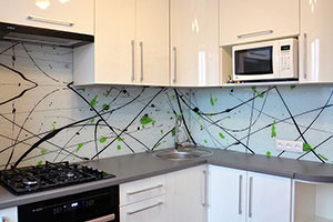 Линии, полосы для скинали в интерьере кухни - 22410