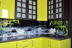 Лотосы для скинали в интерьере кухни - 22488