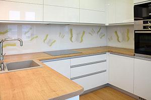 Бабочки для скинали в интерьере кухни - 22505