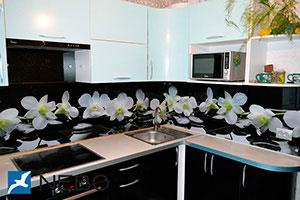 Орхидеи для скинали в интерьере кухни - 21836