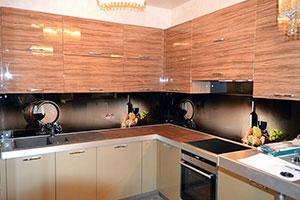 Бокалы для скинали в интерьере кухни - 22254