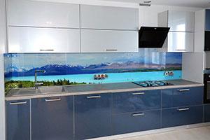 Озеро для скинали в интерьере кухни - 22230