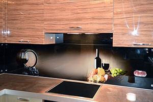 Бокалы для скинали в интерьере кухни - 22235